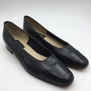 .Vaneli. Navy Leather Square Toe Flat Loafers